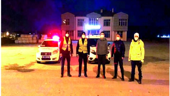Kaymakam Kayatürk Yılbaşı Gecesinde Görev Yapan Personeli Ziyaret Etti