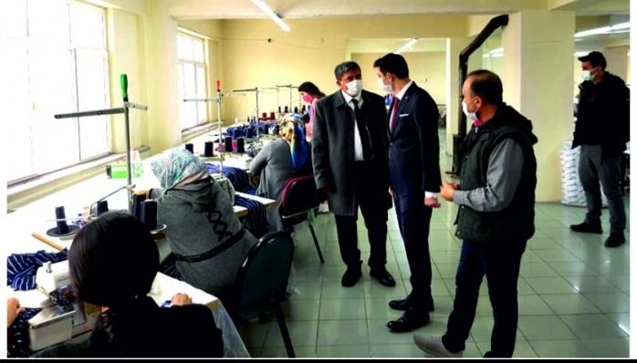 İlçemiz Kaymakamı İlhan Kayatürk ve Belediye Başkanı Remzi Kılıçdağı Mateks Tekstili Ziyaret Ettiler